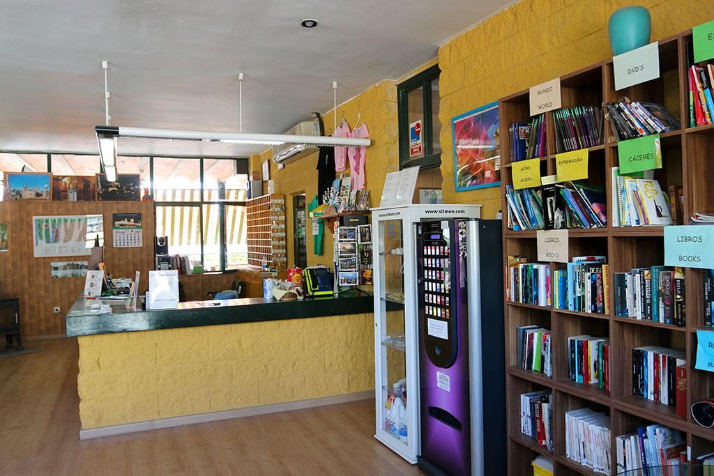 Biblioteca del Camping Cáceres