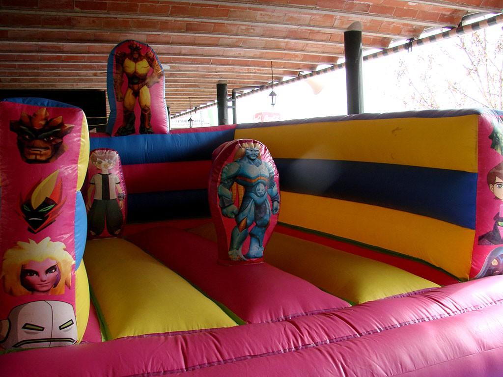 Castillo Hinchable para niños en Camping Cáceres