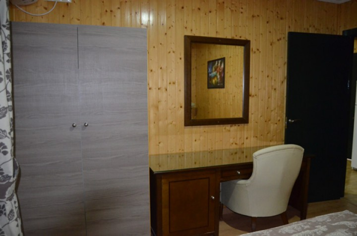 Bungalow 2 Dormitorios con literas - Escritorio