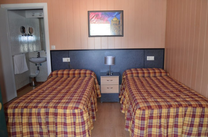 Habitación Doble 2 Camas Individuales