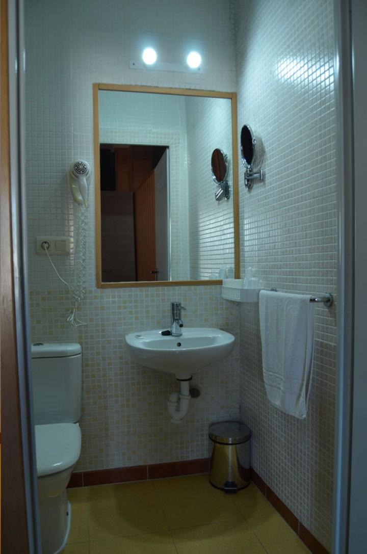 Habitación Doble con dos camas - Cuarto de baño