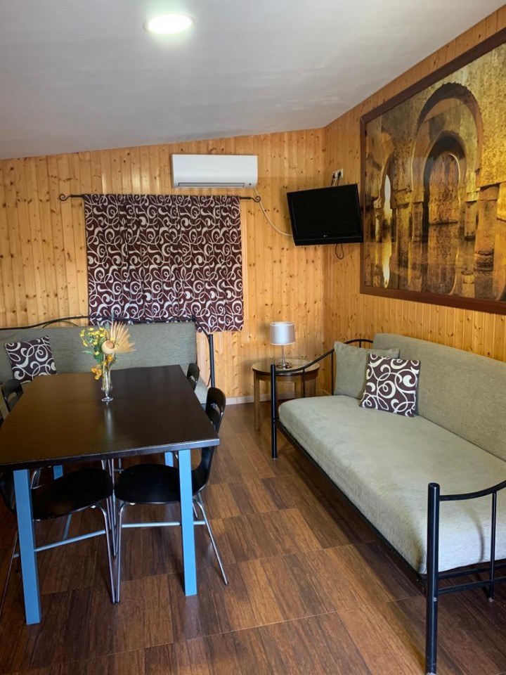 Bungalow 2 Dormitorios Cama Matrimonio - Sofás Cama