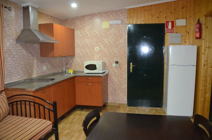 Bungalow 2 Bedrooms with Bunk Bed - Kitchen