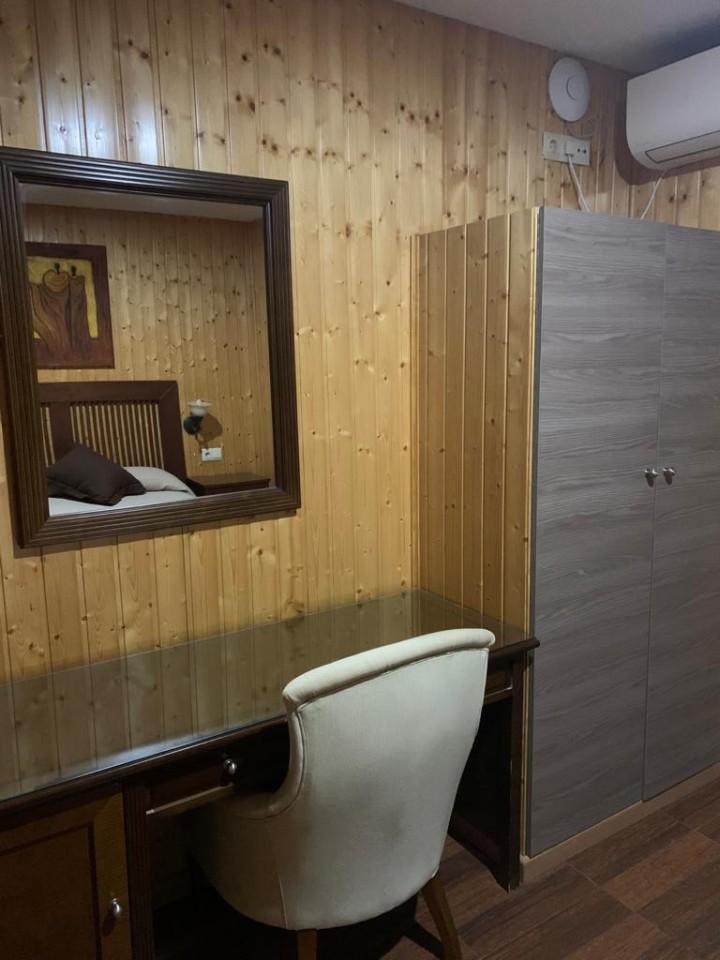 Bungalow 2 Dormitorios Cama de Matrimonio - Dormitorio 1 Espejo