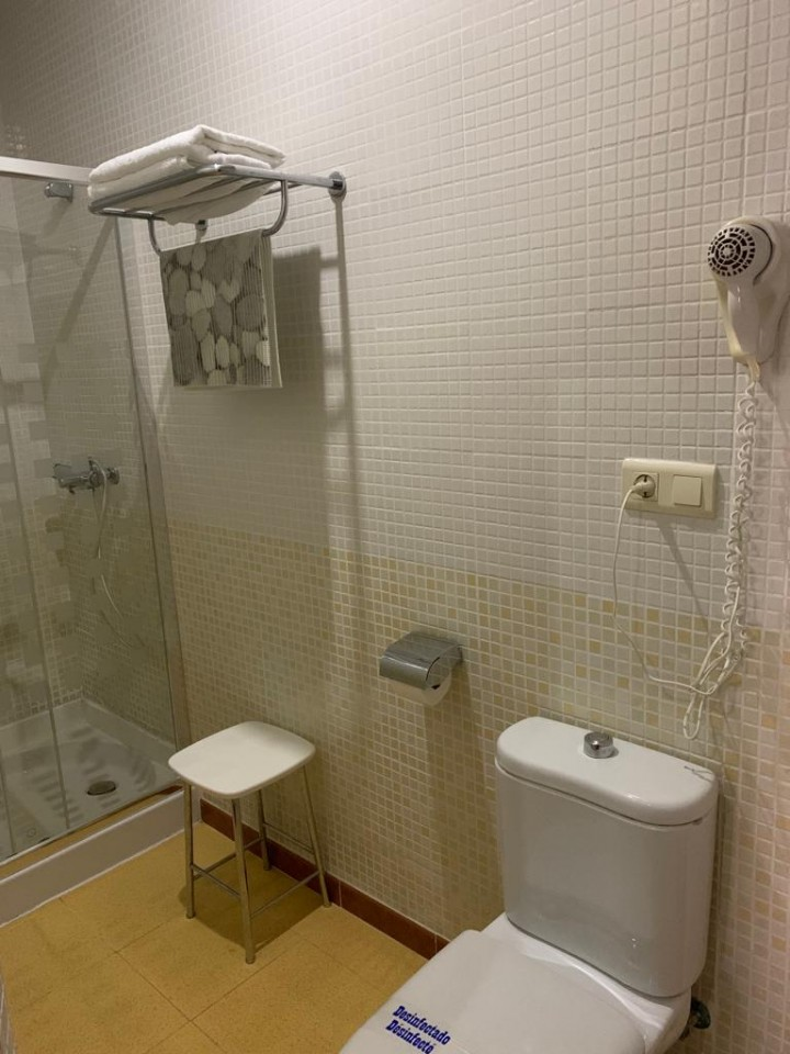 Double Room 1 Double Bed - Toilet